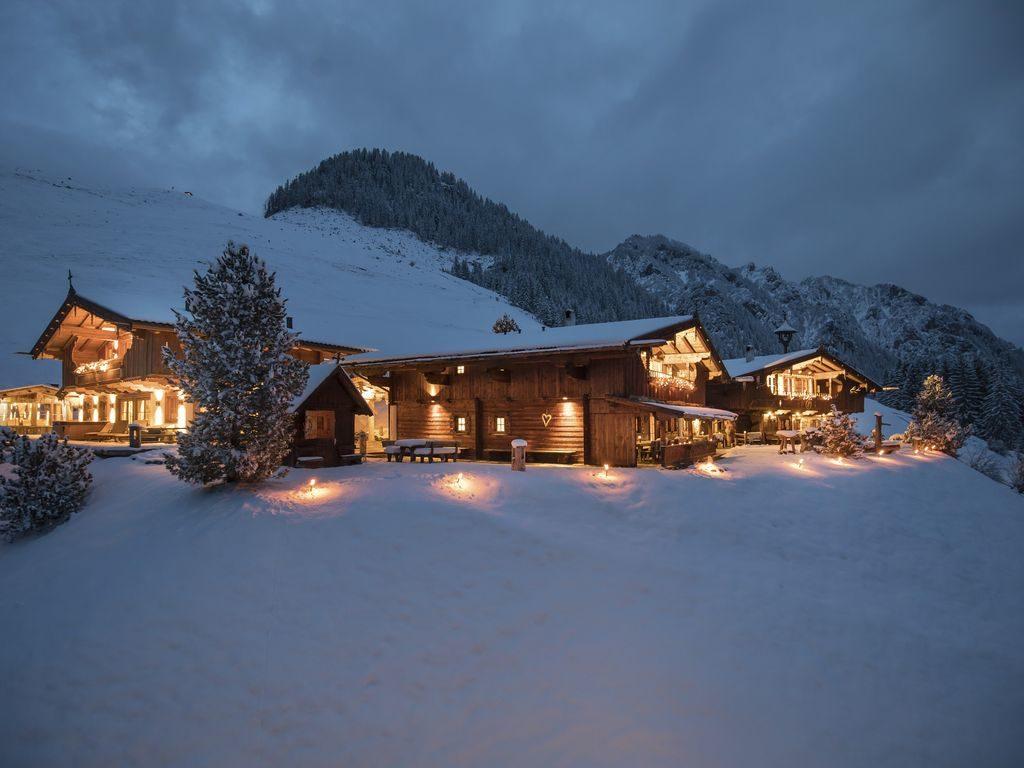 Matrimonio In Montagna : Matrimonio in inverno sposarsi sulla neve saravicale